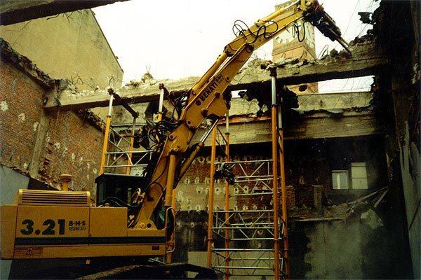 Demolizione ex cinema Apollo - centro storico di Forlì